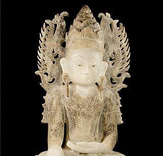 Gekronte Buddha Figur