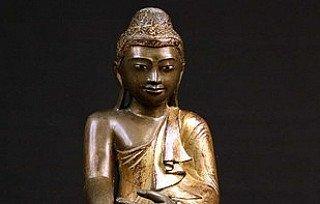 Mandalay Buddhafigur