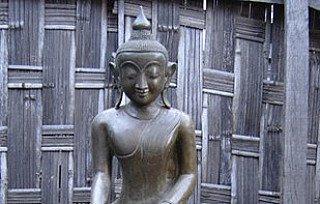 Shan Buddha statue