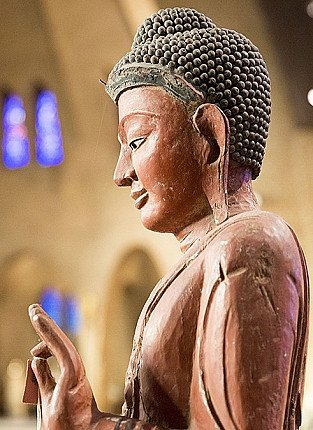 Buddha statues as a gift