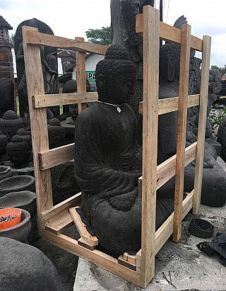 Crating lavastone Buddha statues