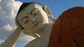 Liegende Buddhafiguren