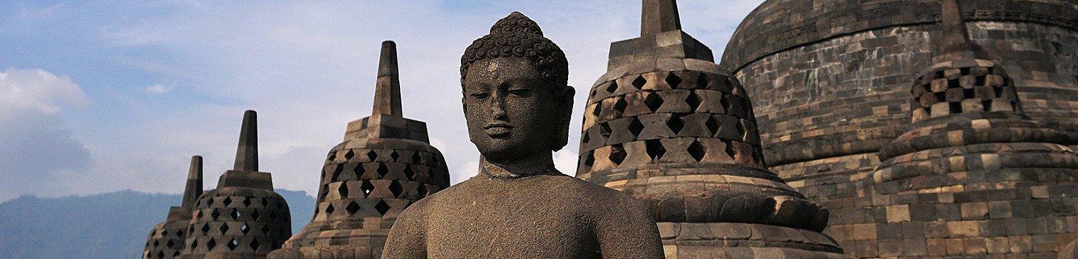 Borobudur tempel in Indonesien - Buddhafiguren