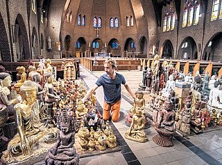Buddha statues in Church