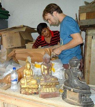 Packing Buddhas