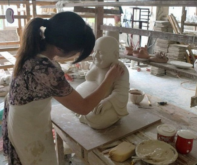 Starting production of porcelain statues