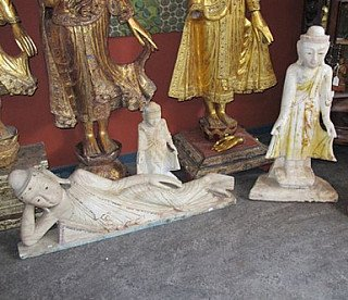 Marble Shan Buddha statues
