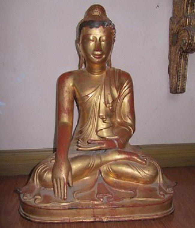 Antieke bronzen Boeddha uit de Mandalay periode