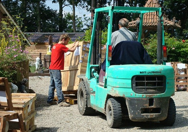 Unloading the crates