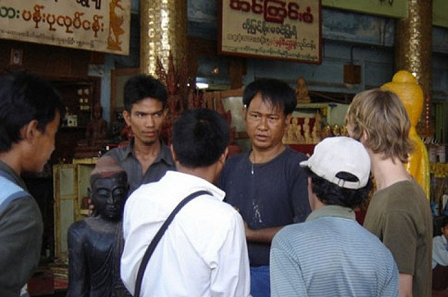 Buying Buddha statues in Burma