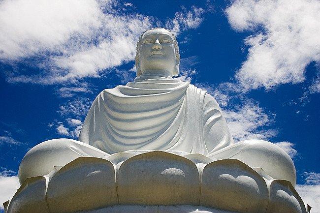 Vietnam-Buddha-Statue