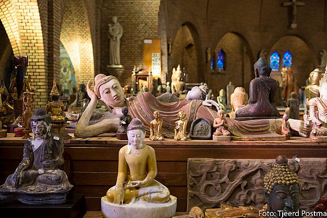 Antique Buddha Statues for sale