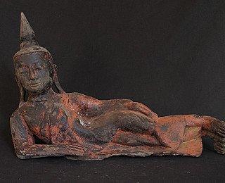 wooden-buddha-statue
