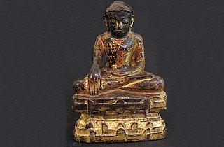 Bagan Buddha Statues