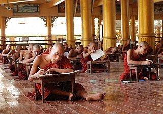 monks-in-burma