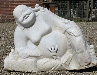 laughing-buddha-statue