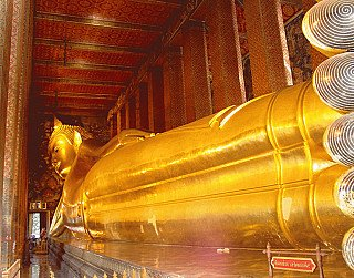 Longest reclining Buddha statue at Wat Pho, Thailand
