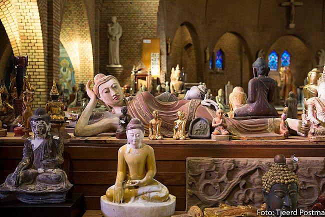 Amarapura Buddha statues