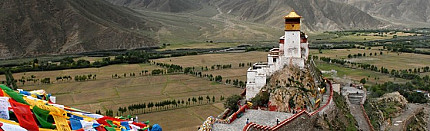 Stupas in Tibet