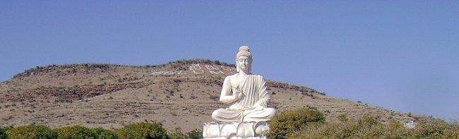 belum cave buddha statue