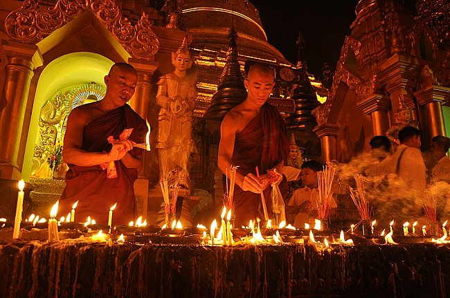 Buddhist rituals and religious practices