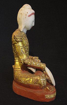 Antique Jambupati Buddha