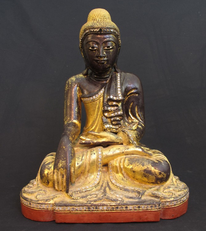 Original 19th century Buddha statue from Burma