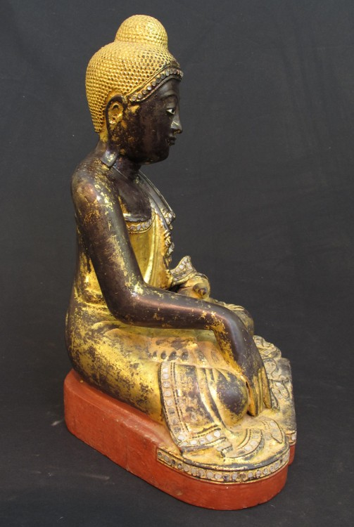 Original 19th century Buddha statue from Burma made from Wood