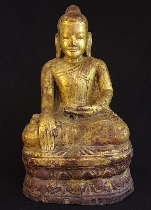 Antique lotus Buddha