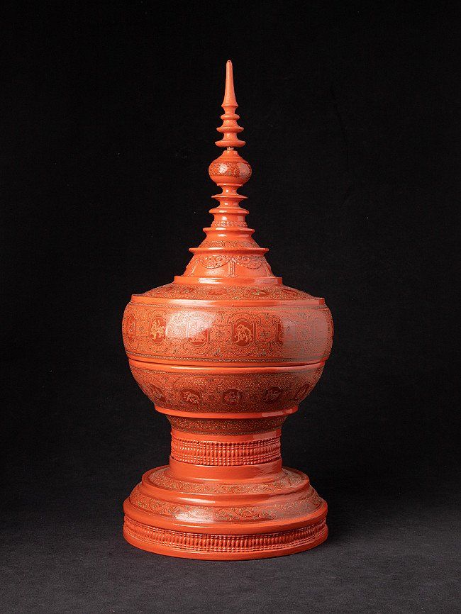 Nieuw gemaakte Birmese offerschaal