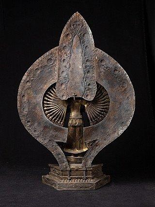 Large bronze Avalokiteshvara statue