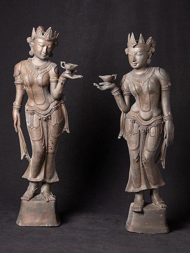 Pair old bronze figures - pooring oil