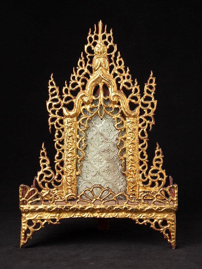Old Burmese Buddha shrine