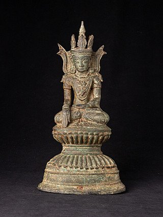 Antique bronze crowned Buddha statue
