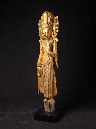 Antique wooden Bagan Buddha statue
