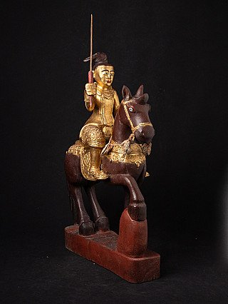 Antike burmesische Nat zu Pferd