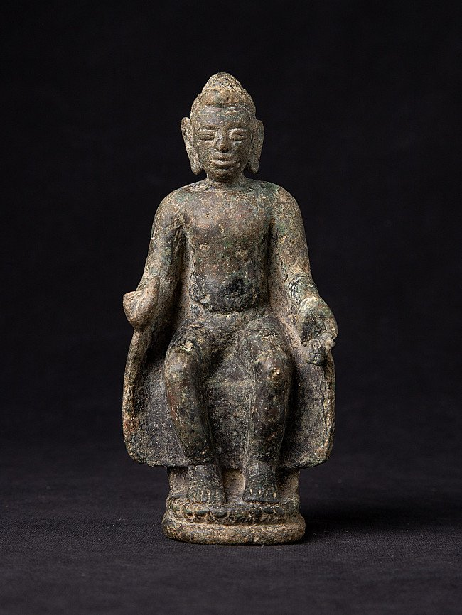 Very special antique bronze Pyu Buddha statue