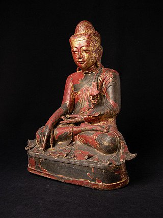 Antique bronze Mandalay Buddha