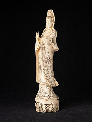 Old Chinese Guan Yin statue
