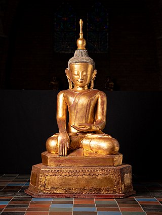 Large antique lacquerware Buddha statue