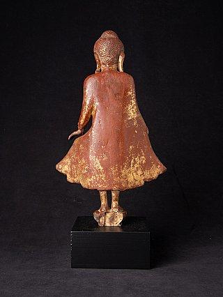 Antike holzerne Birma Mandalay Buddha