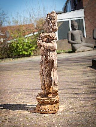 Oud zandstenen Apsara vrouwenbeeld