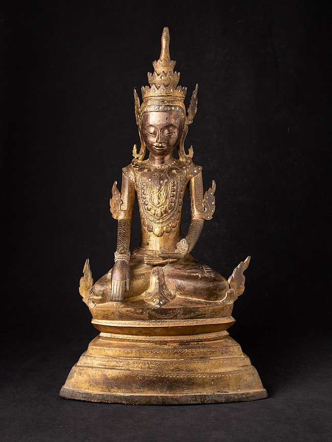 18th century crowned Shan Buddha statue