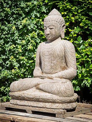Oud stenen Boeddhabeeld