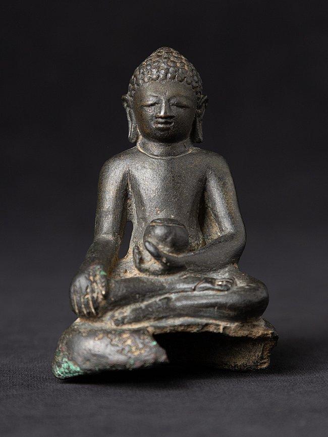 Special antique bronze Pyu Buddha statue