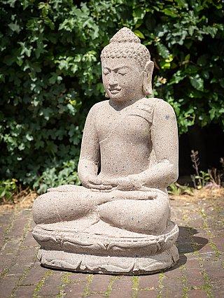 Nieuw gemaakt stenen Boeddhabeeld
