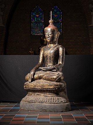 Large and special 17th century Burmese Buddha