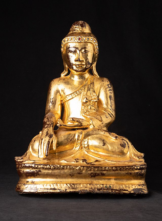 Antique bronze Mandalay Buddha statue