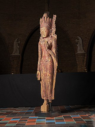 Very special - large antique wooden Bagan Buddha statue