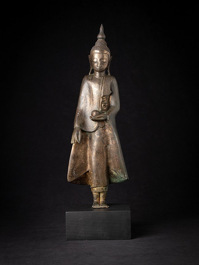 Special antique bronze Shan Buddha